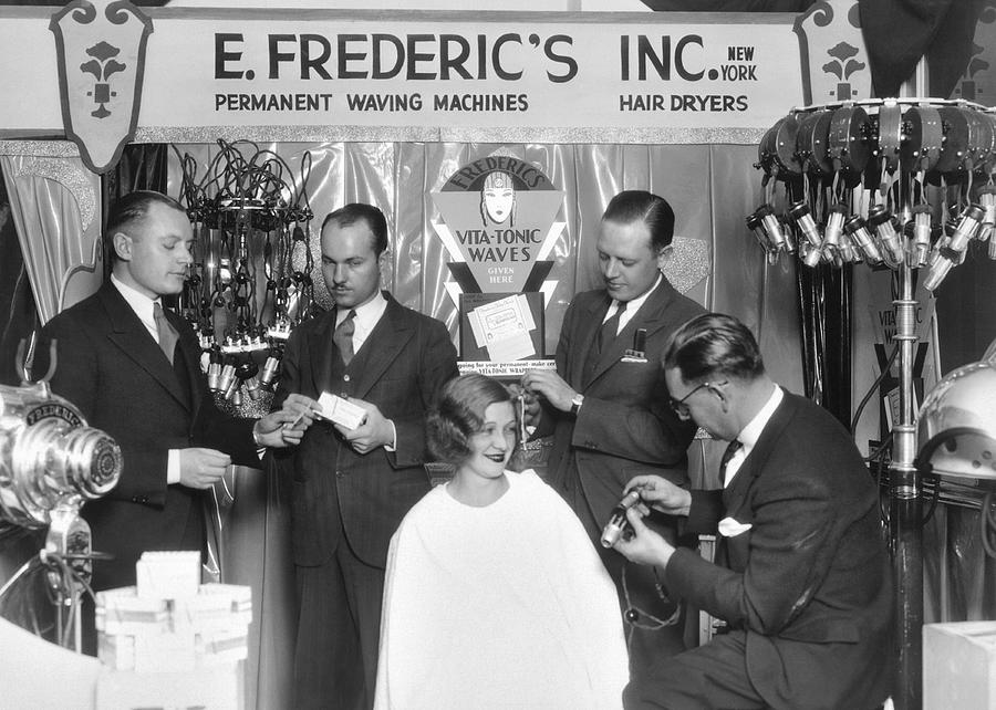1920s Photograph - Hair Salon Demonstration by Underwood Archives