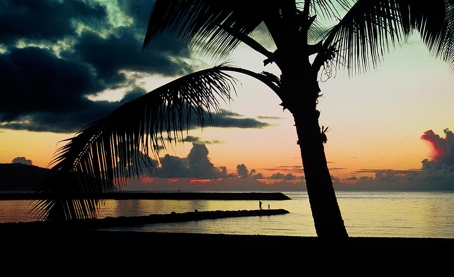 Haleiwa Photograph - Haleiwa by Steven Sparks