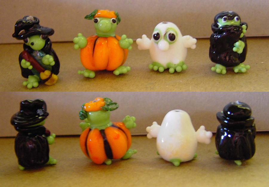 Halloween Sculpture - Halloween Party by Cecilia Alvarez