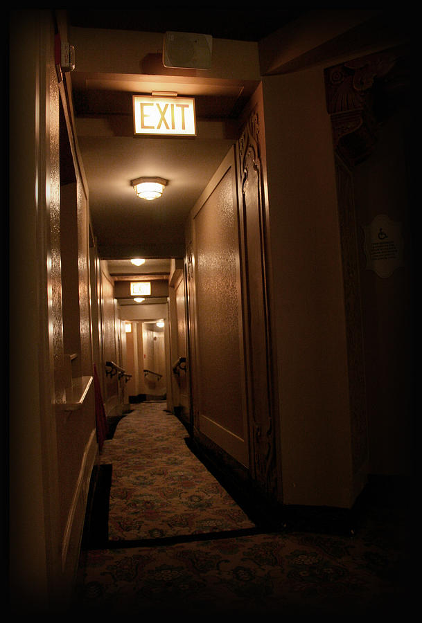 Chicago Photograph - Hallway - 200320 by TNT Images