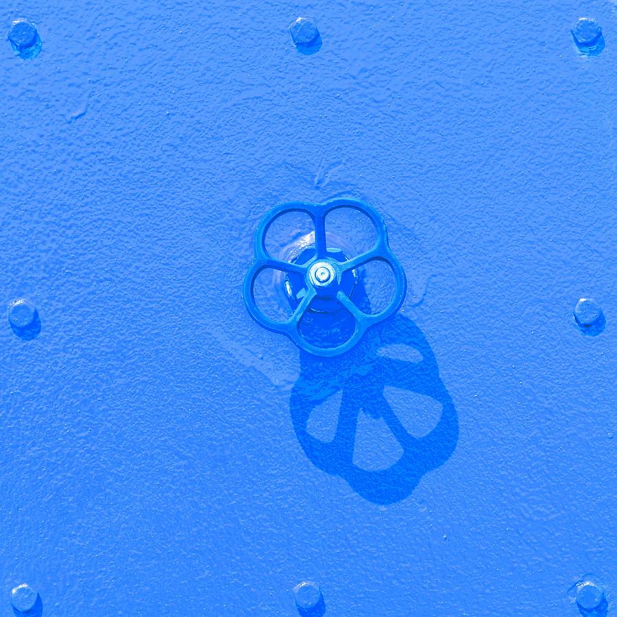Handwheel - Blue by Ari Salmela