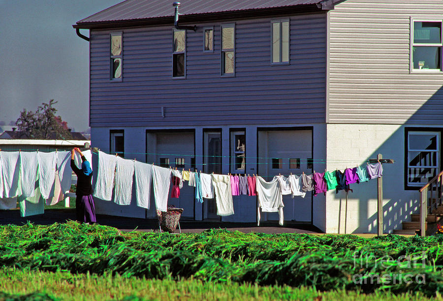 Amish Photograph - Hanging Laundry by Thomas R Fletcher