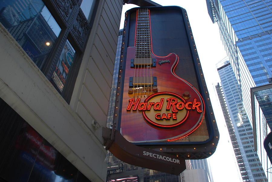 Music Photograph - Hard Rock Cafe N Y C by Rob Hans