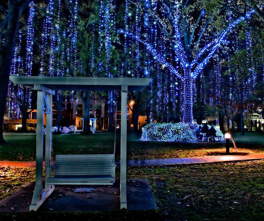 Harding University Photograph - Harding Swing At Christmas by Rod Cuellar