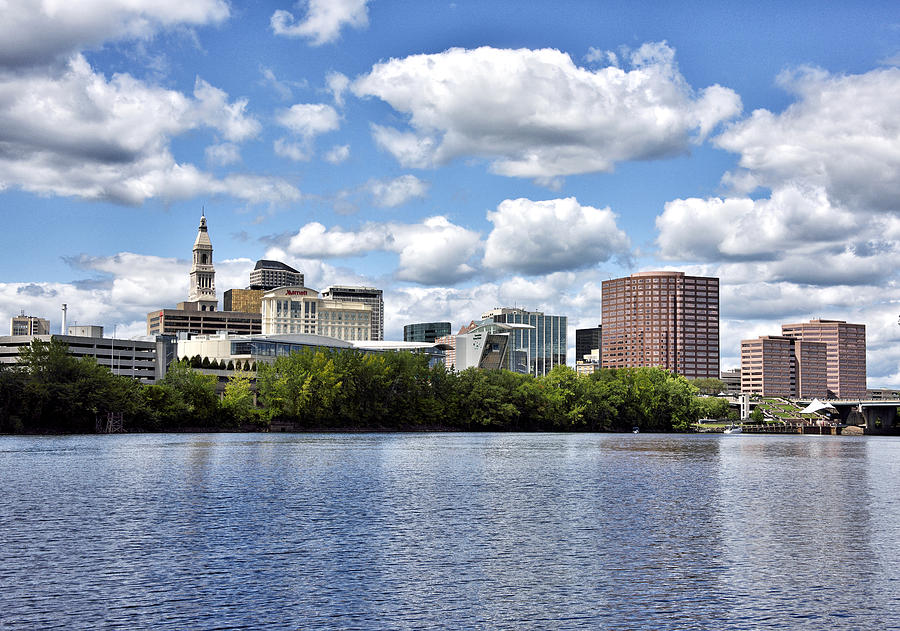 Hartford Connecticut Photograph - Hartford Connecticut - Skyline by Brendan Reals