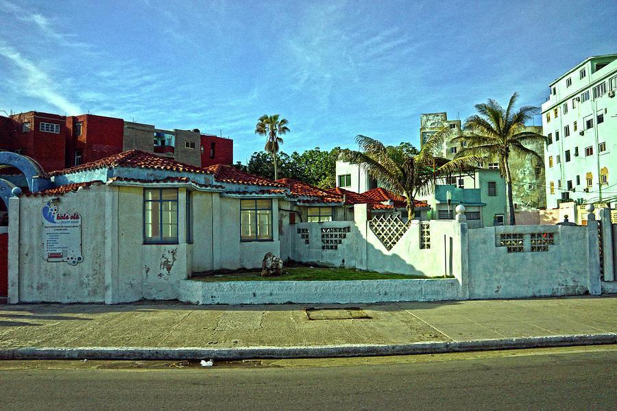Havana Photograph - Havana-49 by Rezzan Erguvan-Onal