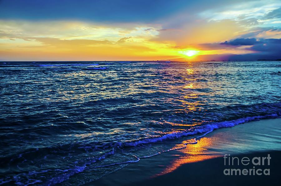 Sunset Photograph - Hawaiian Beach Sunset by D Davila