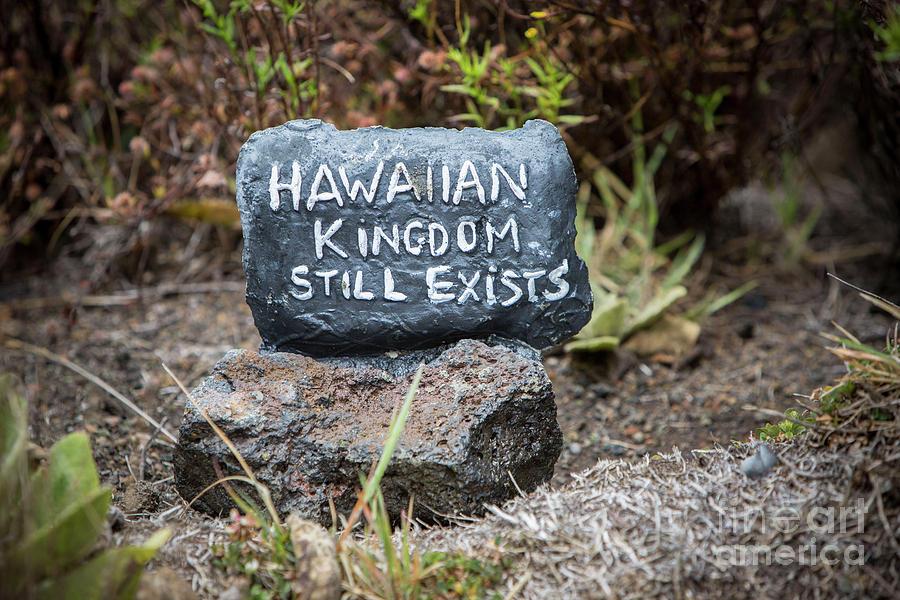 Hawaiian Kingdom Still Exists by Daniel Knighton
