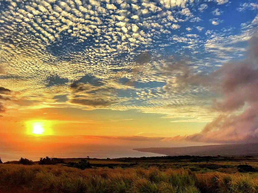 Hawaii Photograph - Hawaiian Sunset by Chip Evans