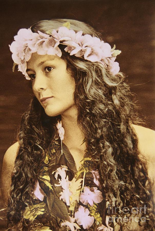 Afternoon Photograph - Hawaiian Wahine by Himani - Printscapes