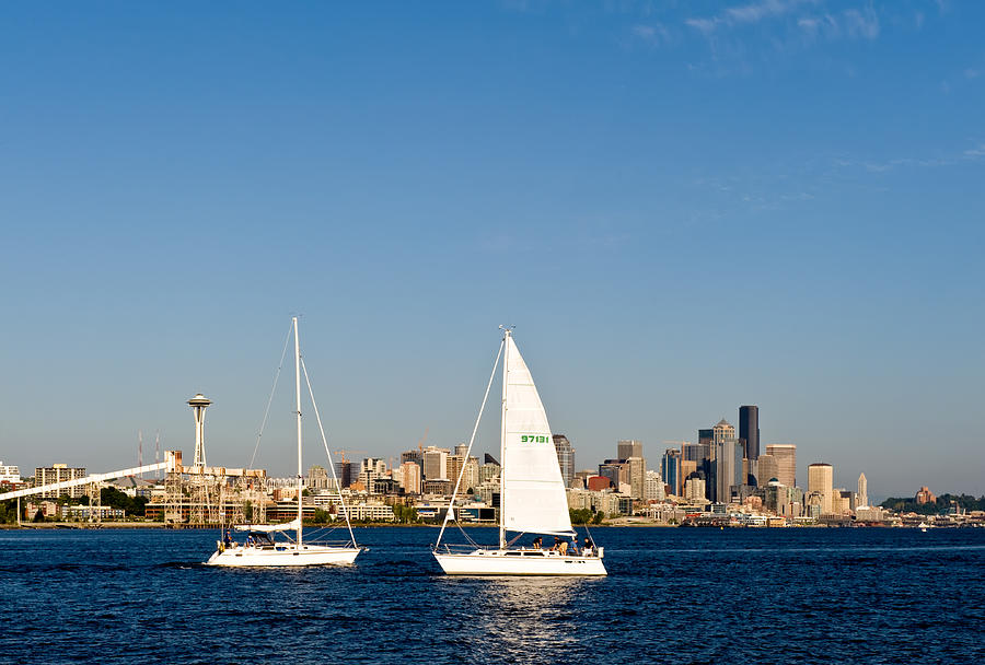 Seattle Photograph - Head To Head In Seattle by Tom Dowd