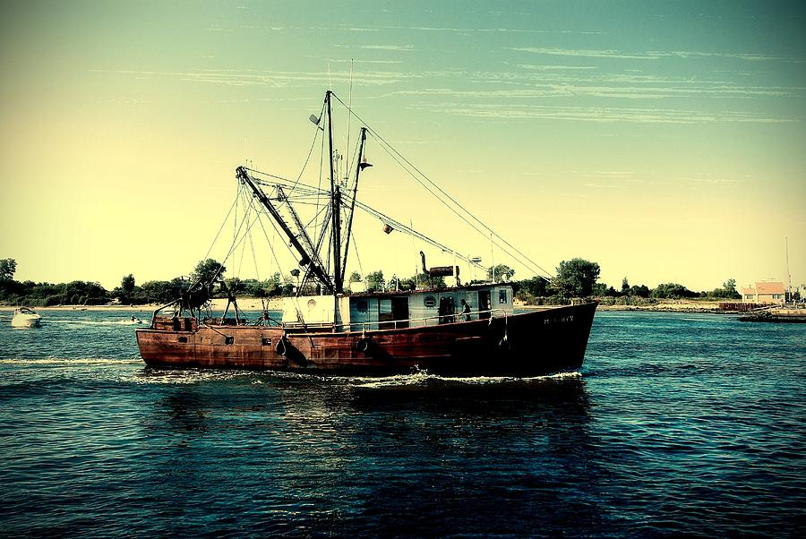 Jersey Shore Photograph - Heading Out - Jersey Shore by Angie Tirado