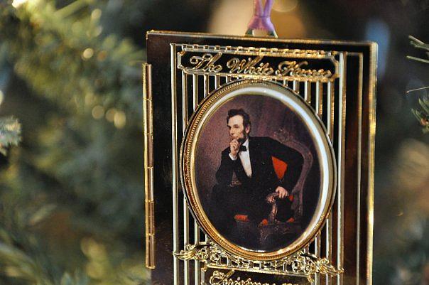 Christmas Photograph - Hello Mr.lincoln by Lauren Xenos