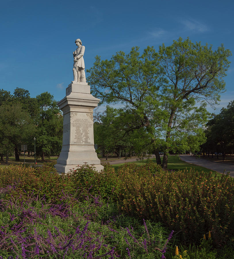 Hermann Park Confederate Monument by Joshua House