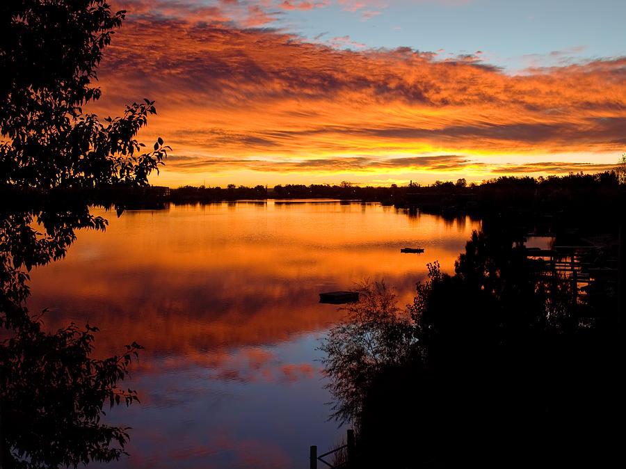 Lake Photograph - Hidden Lake Sunrise by Thomas Lewis