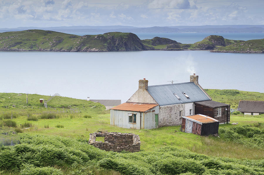 Cottage Photograph - Highland Cottage by R Kerr