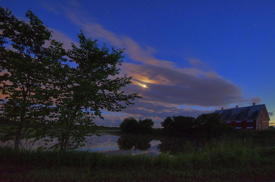 Hinkley Digital Art - Hinkley Pond Moonset by Patrick Groleau
