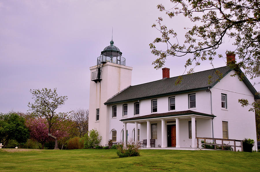 Light House Photograph - Histotic Horton Point Lighthouse by Linda C Johnson