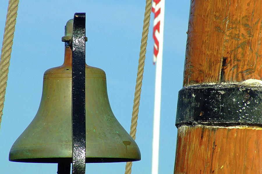 Bell Photograph - Hms Bounty Ships Bell by Brian Pflanz