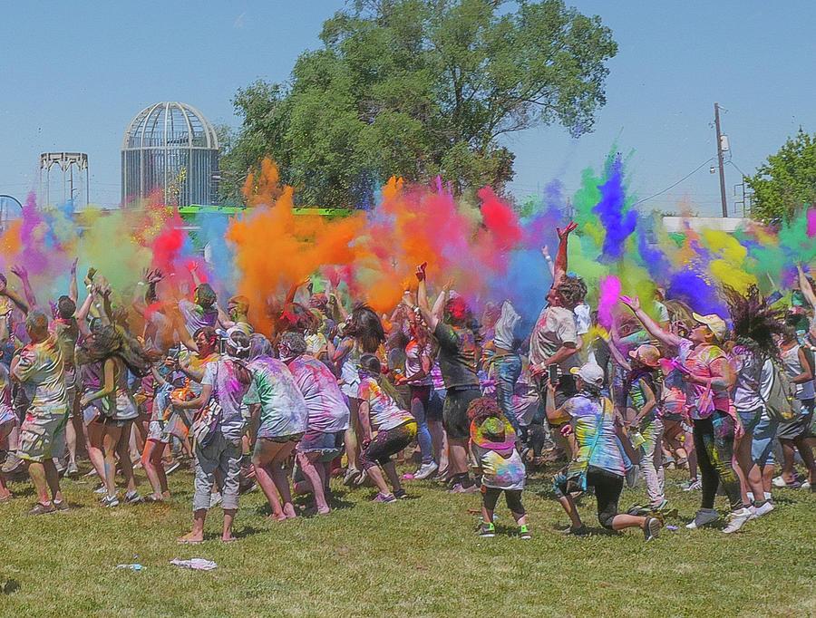 Color Photograph - Holi Festival by Billy Joe