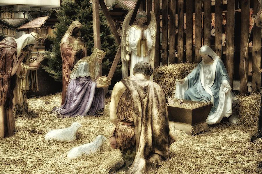 Xmas Photograph - Holiday Christmas Manger Pa 02 by Thomas Woolworth
