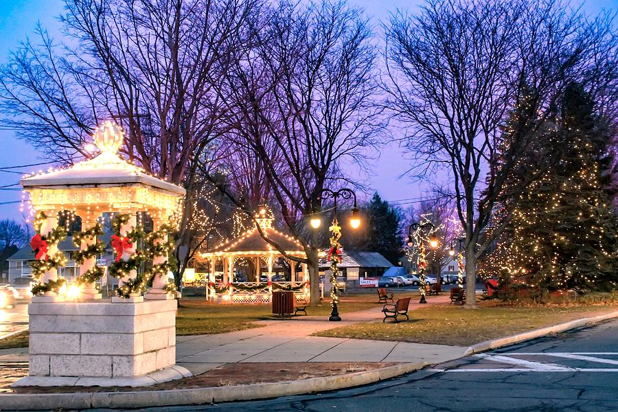 Holiday lights in Easthampton by Sven Kielhorn
