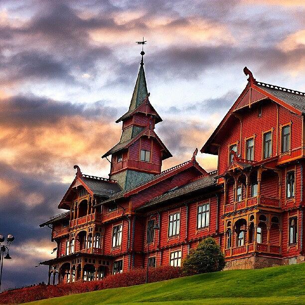 House Photograph - Holmenkollen hotell by Torbjorn Schei