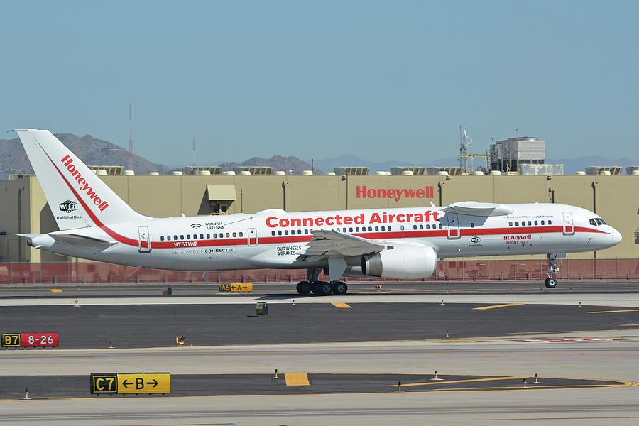 Honeywell Boeing 757-225 N757HW Phoenix Sky Harbor September 30 2017 by Brian Lockett