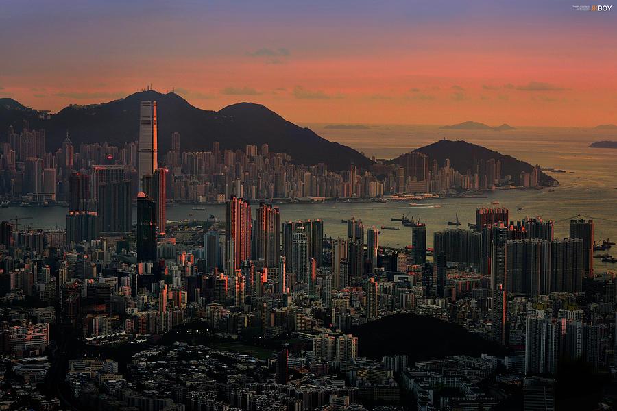 Hong Kong Digital Art - Hong Kong by Dorothy Binder