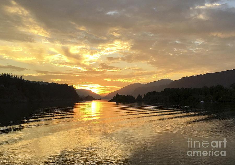 Hood River Golden Sunset Photograph