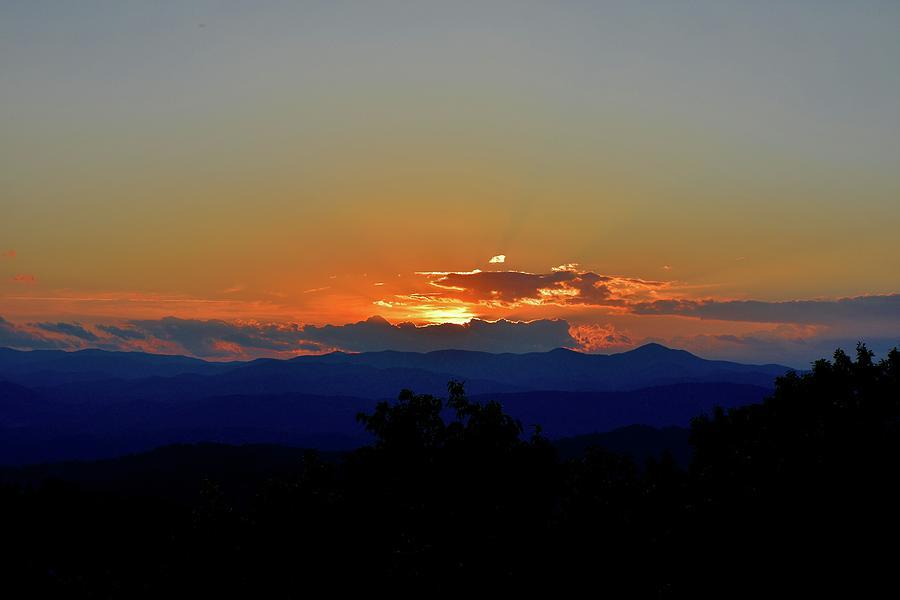Sunset Photograph - Horizon Fire by Frank OBrien