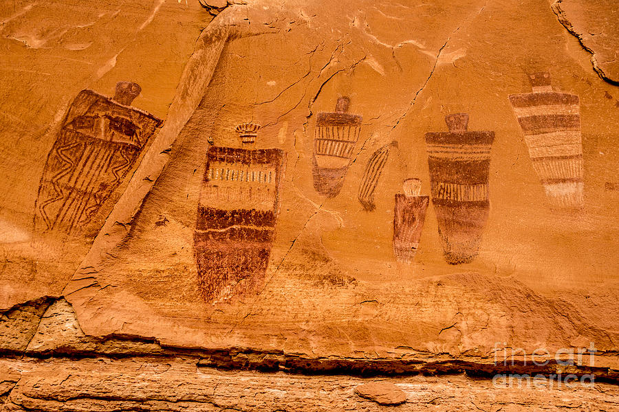 Horseshoe Canyon Photograph - Horseshoe Canyon Great Gallery Group 3 Pictographs by Gary Whitton