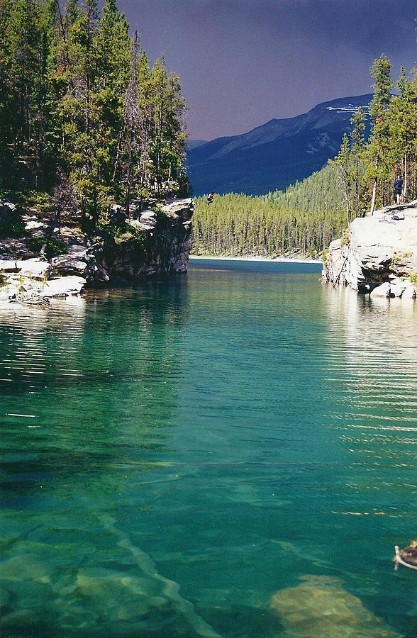 Mountains Photograph - Horseshoe Lake by Shirley Sirois