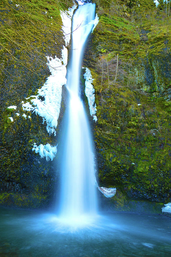 Horsetail Falls Photograph by Brian OKelly
