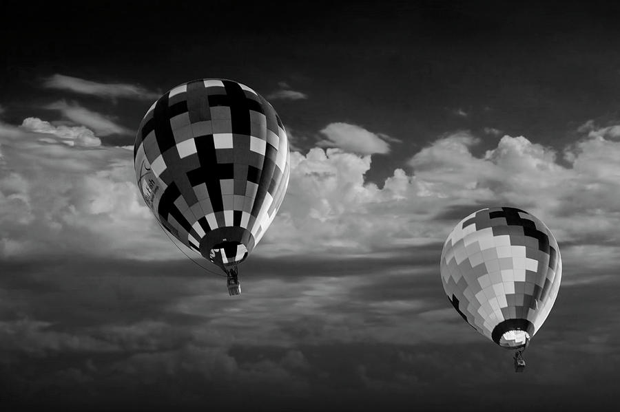 Hot air balloon black and white