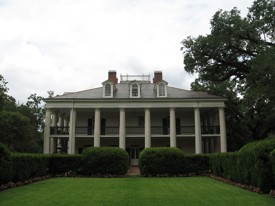 Plantation Photograph - House Side by Mily Iriarte