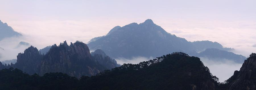 Huangshan Mountain Scene Photograph by PuiYuen Ng