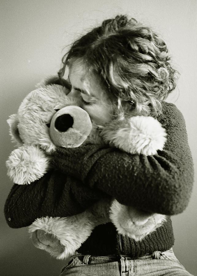 Portrait Photograph - Hugs by Katarzyna Horwat