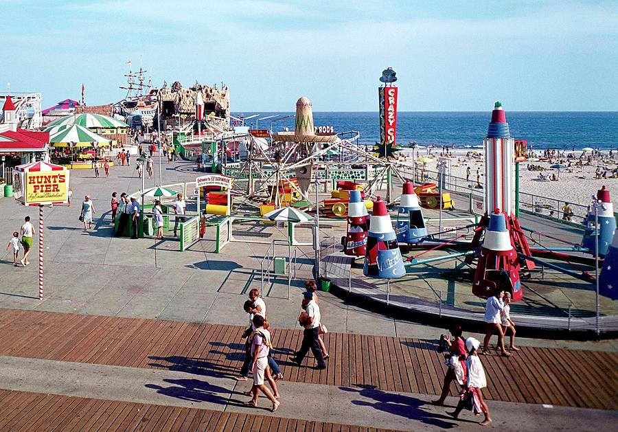 Hunts Pier Rides On The Wildwood New Jersey Boardwalk