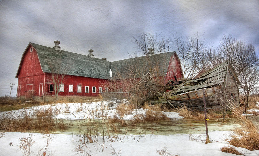 Old Red Barn Photograph - I Fall To Pieces by Lori Deiter