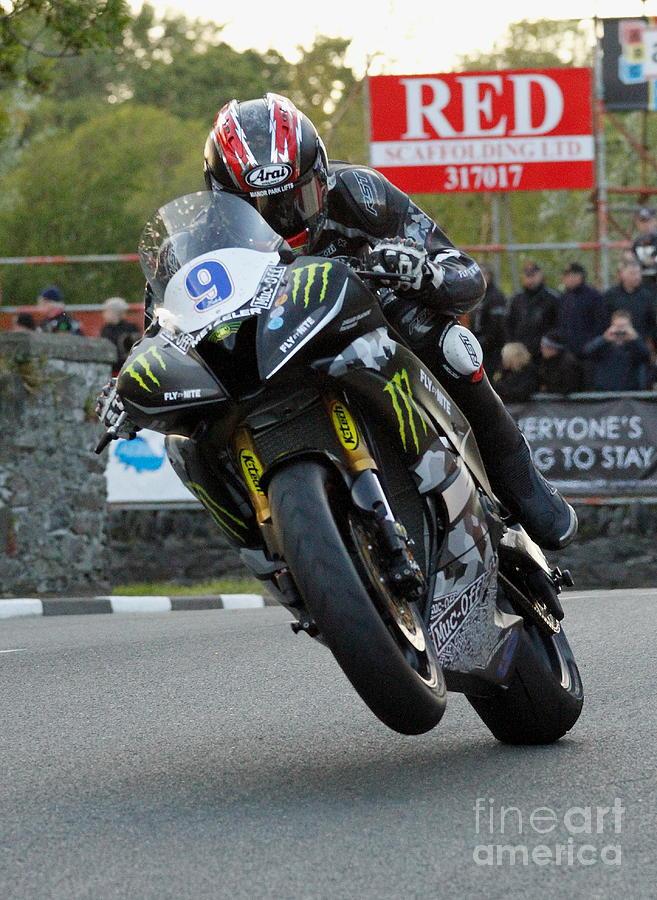 Motorbikes Photograph - Ian Hutchinson 4 by Richard Norton Church