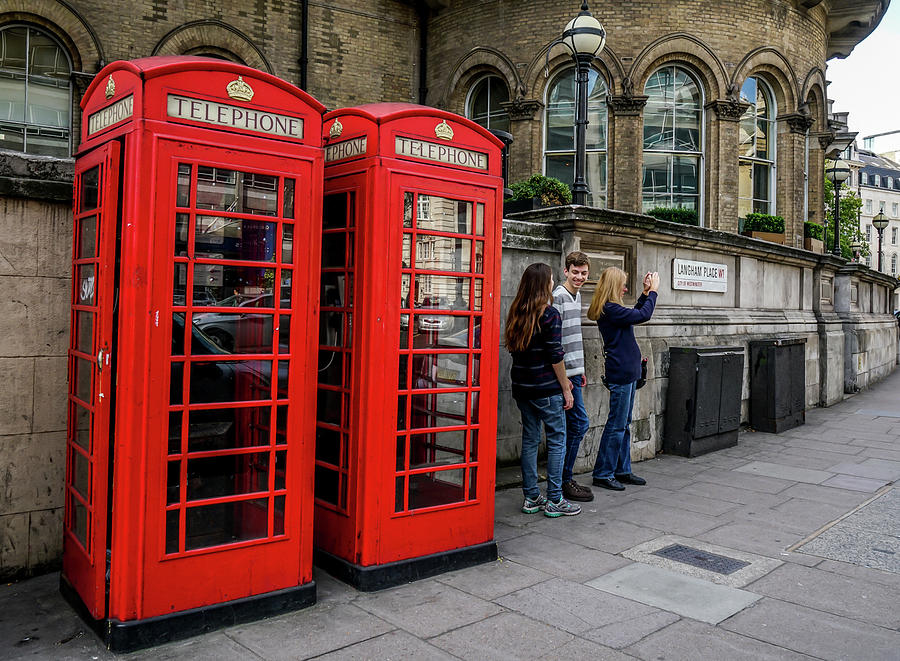 Telephone Booth Photograph - Iconic Booth by Ric Schafer
