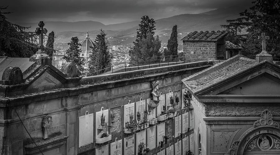 Il Cimitero e Il Duomo by Sonny Marcyan