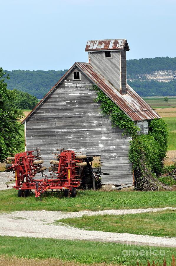Barn Photograph - Ilini Barn by Marty Koch