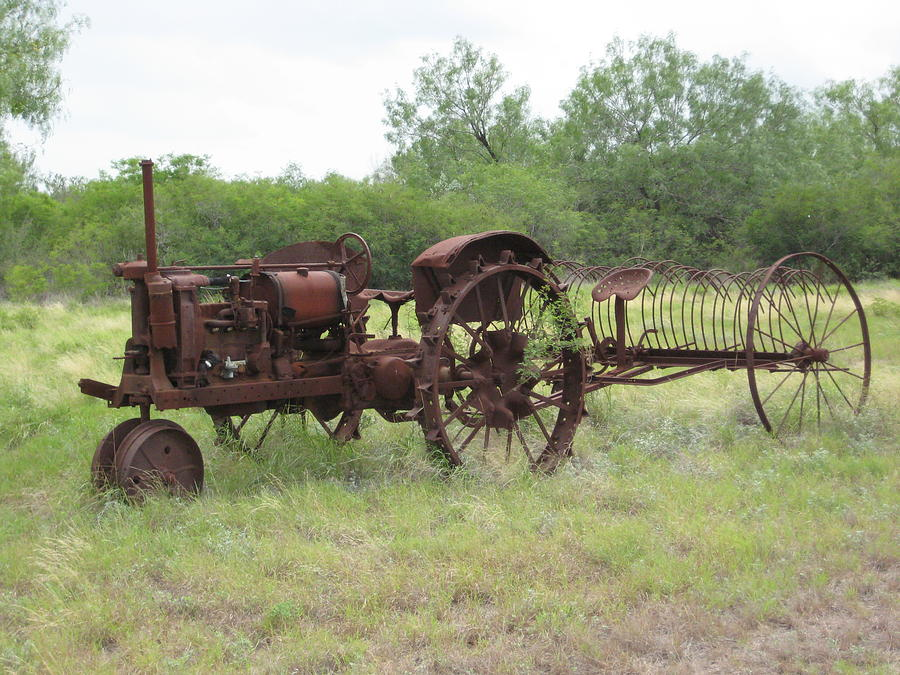 Antique Tractor Photograph - Im Very Old  Now by Wendell Baggett