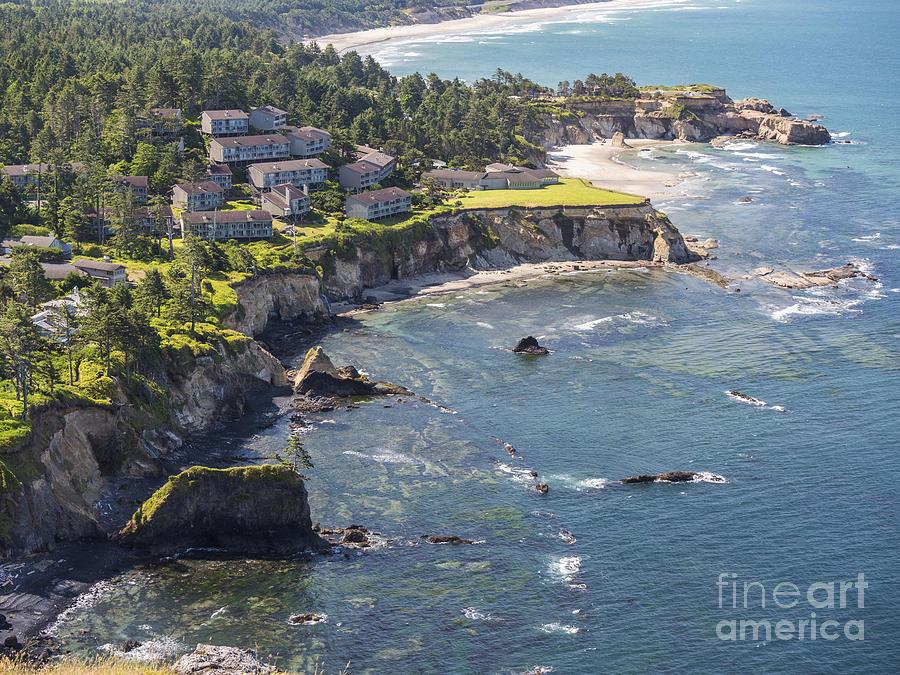 Inn at Otter Crest, Otter Rock, Oregon by Ken Brown