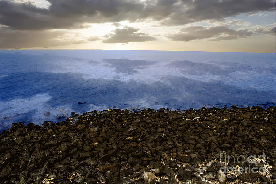 Into The Horizon Photograph