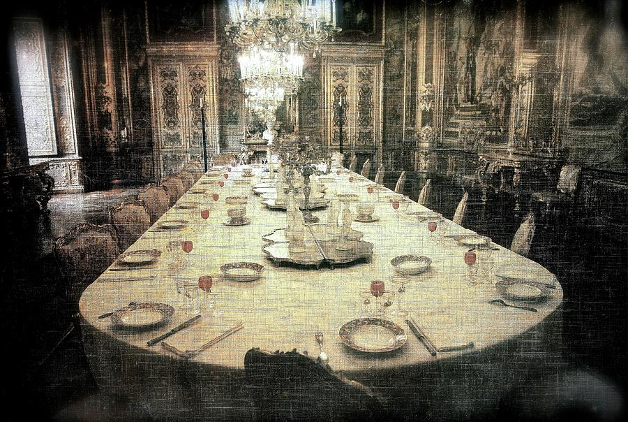 Invitation to dinner at the castle... by Vittorio Chiampan