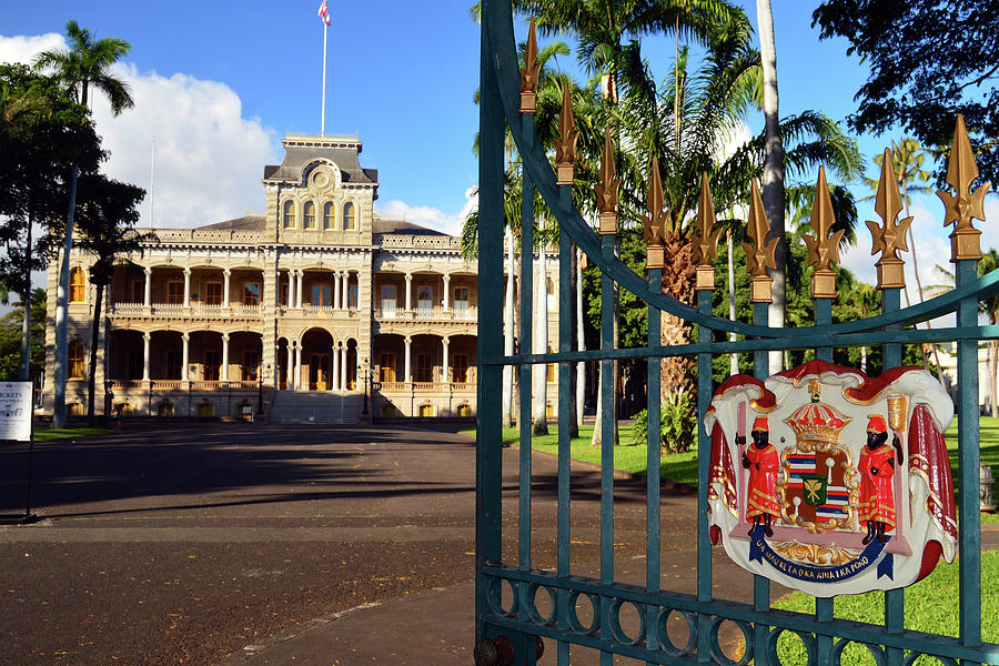 real cost of paradise by iolani palace Honolulu, hawaii (hotel cost: $126, round-trip flight: $743) take a tour of the iolani palace, visit the aloha tower and enjoy the vibrant nightlife and music scene of waikiki during your trip to.