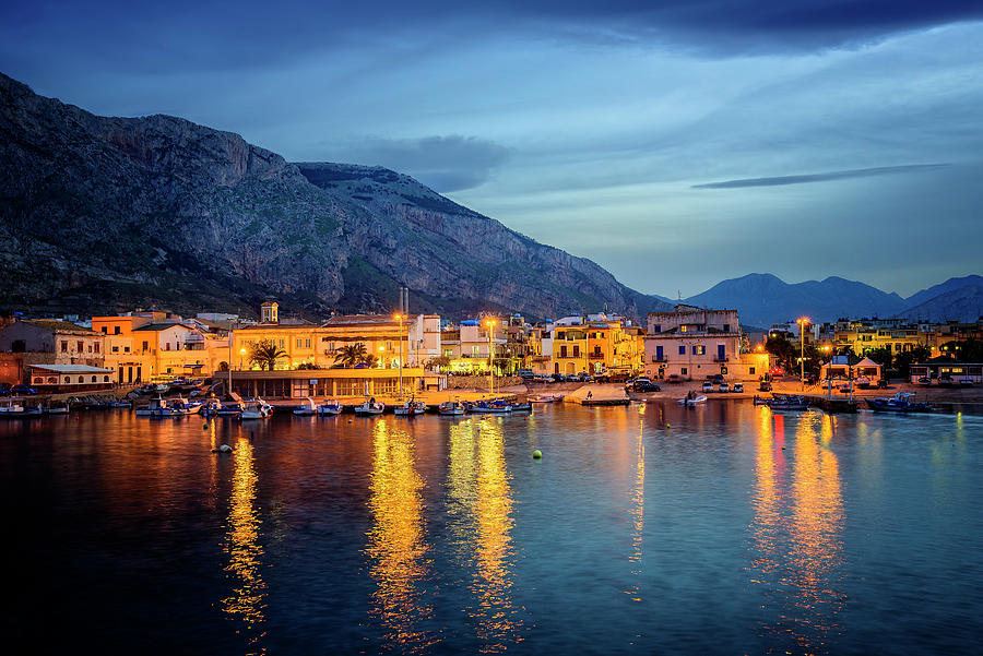 Isola delle Femmine Harbour by Ian Good